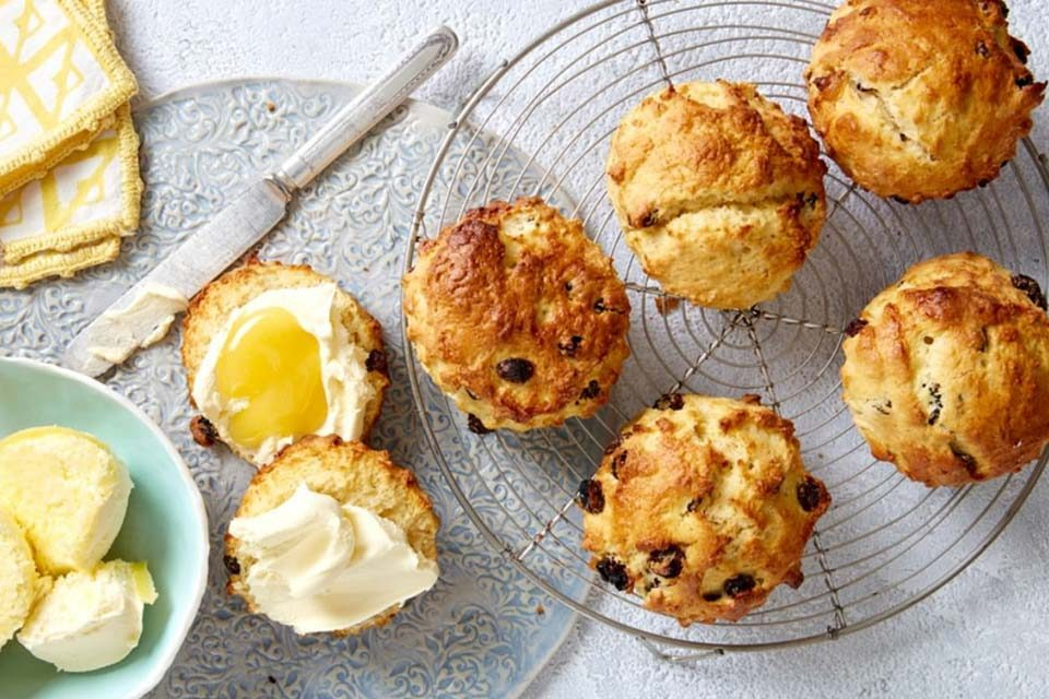 raisins-south-africa-article-light-as-air-raisin-and-lemon-scones